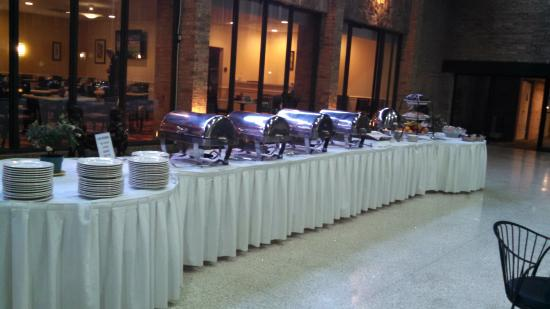 Park Inn by Radisson Sharon, PA: buffet set up