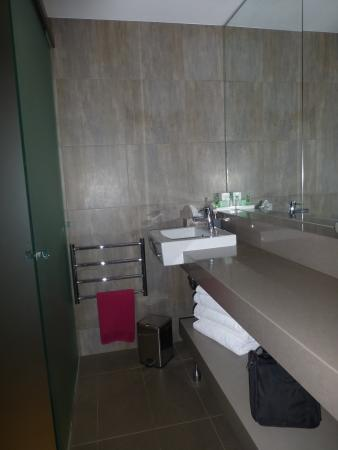Burrawang Village Hotel : bathroom