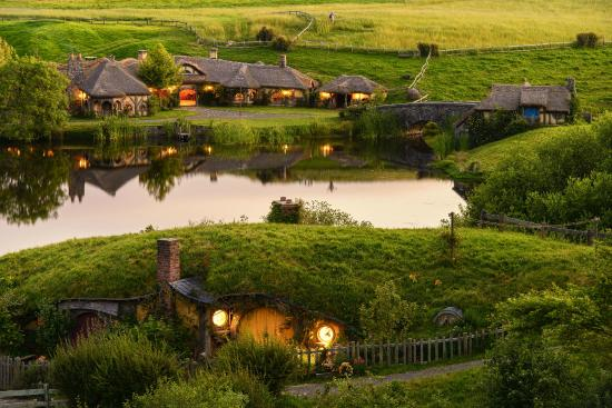 ‪Hobbiton Movie Set Tours‬