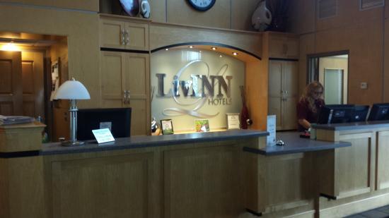 LivINN Hotel Minneapolis South / Burnsville : Front desk