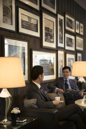 Lobby Lounge - Business Shot