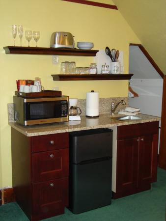 1892 Victoria's Keep: Kitchen