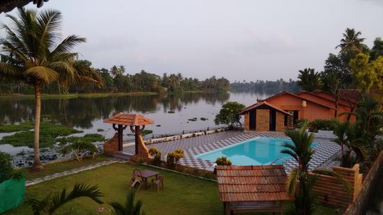 Green Palace Kerala Resort: View from room