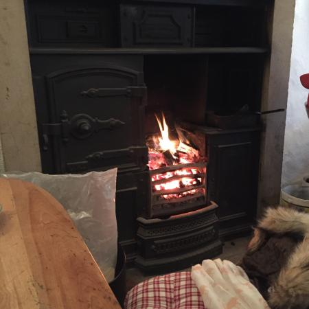 Lunesdale Bakery: Sat here eating my scone infront of this beautiful fire ❤️