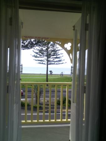 Mon Logis Bed and Breakfast: Open your view to the ocean!