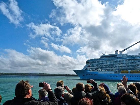 Viewing Quantum Of The Seas From Mayflower Park Southampton - Southampton cruise ship parking