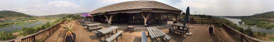 Kambaku Komatipoort Golf Club: Uitzicht vanaf het terras op Krugerpark
