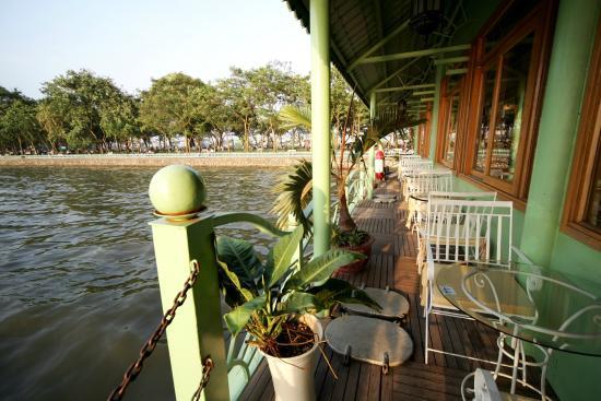 Potomac Cruise Vietnam: Bên mạn thuyền