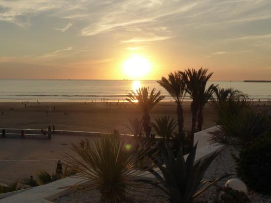 Royal Decameron Tafoukt Beach Hotel: Coucher de soleil vu de la chambre
