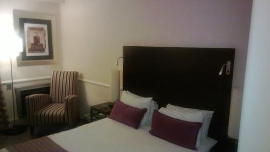 Mercure Johannesburg Randburg: The Bed