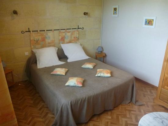 Bed & Breakfast Cabadentra Saint-Emilion: Chambre CABERNET