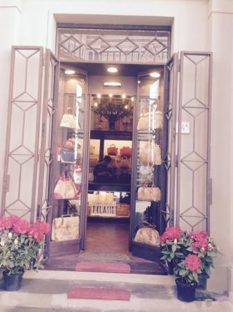 Florence's Secret: entrance
