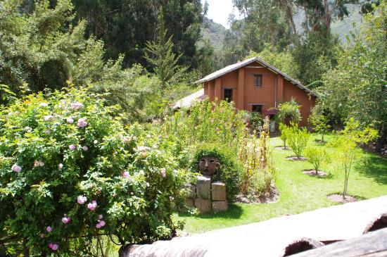 Kuychi Rumi : Beautiful gardens surrounding the cabins