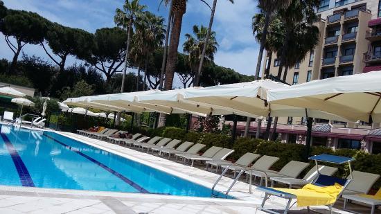 Piscina all 39 aperto picture of parco dei principi grand - Hotel piscina roma ...
