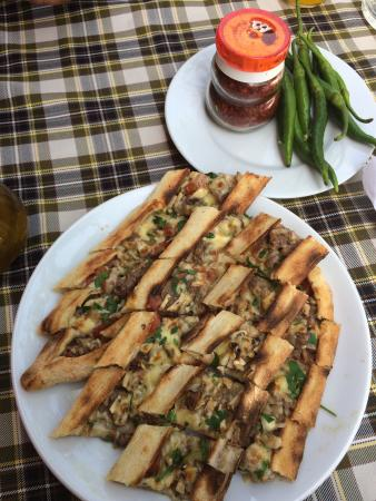 Bulbul Restaurant : Mixed pide-delicious !
