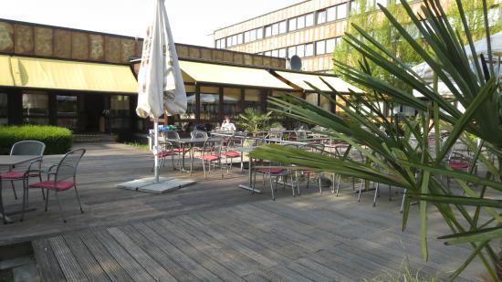 Ramada Hotel Bochum: Terrassenberich