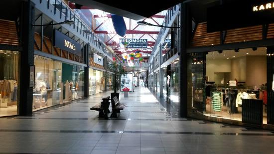 Cosmopolite Mall