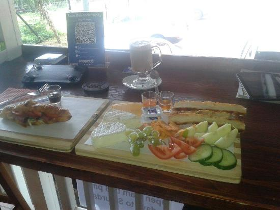 """Fairways Hotel: """"A french platter"""" that could enjoy for breakfast at """"Say cheese"""". A little coffee shop located"""