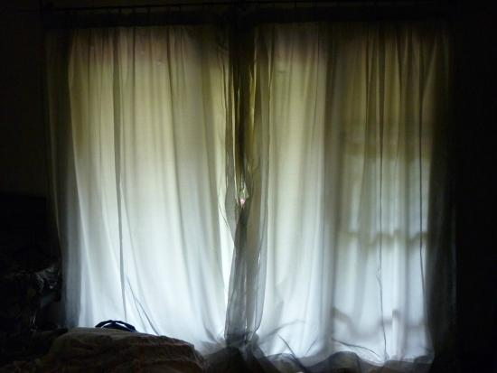 Southern Light Country House: No black out curtains