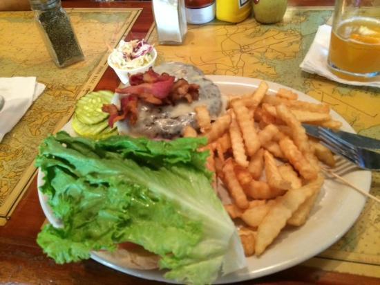 Briny Irish Pub: Briny's Bacon Cheeseburger