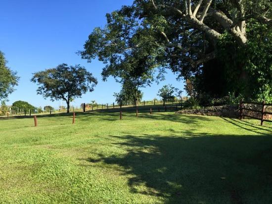 Farm Hotel Jacauna: Ar de Campo