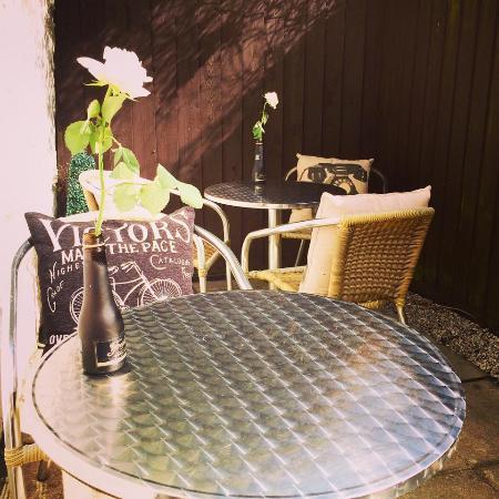 Kazbah Truro: Outdoor seating area