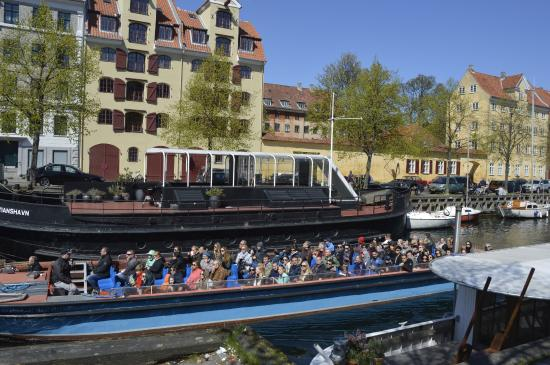 Cafe Oven Vande: Genbo til Christianhavns Kanal