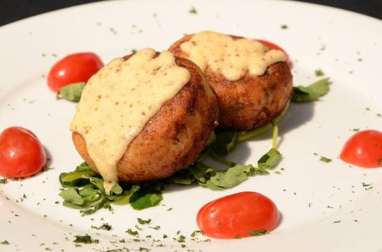 Blu Mangrove: Twin Crab Cakes