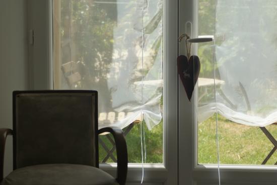 Saint-Erblon, Frankreich: Rêverie dans la chambre Framboise