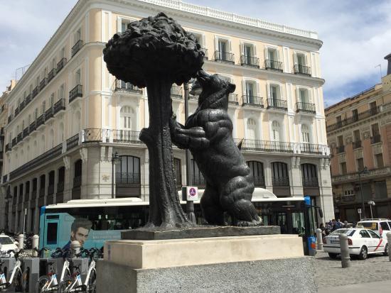 L 39 orso simbolo di madrid picture of puerta del sol for Puerta del sol santiago