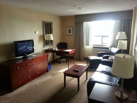 Holiday Inn & Suites Winnipeg Downtown: the room