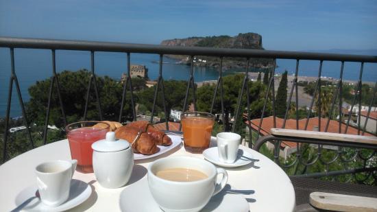 Villa Nappi Bed & Breakfast : colazione in balcone