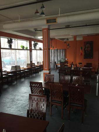 Fusion's Restaurant & Lounge