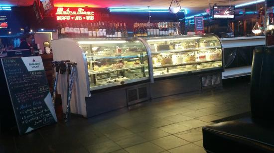 Metro Cafe Diner: STOCKED Desset Counter - Everything is FRESH