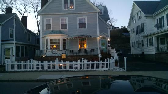 Harborview Inn: Outside