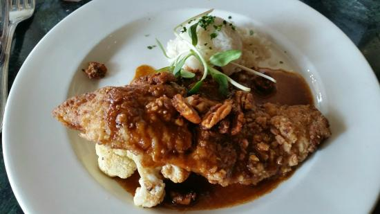 Pecan Crusted Catfish - Foto di Palace Cafe, New Orleans - TripAdvisor