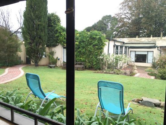 Hosteria Lo de Titi: Vista del patio