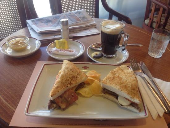 Entrelagos: Pequeño desayuno