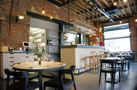 Le Bar Et La Cuisine Ouverte Picture Of Meet Meat Uccle
