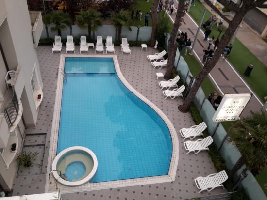 Hotel Adriatica: piscina con idro