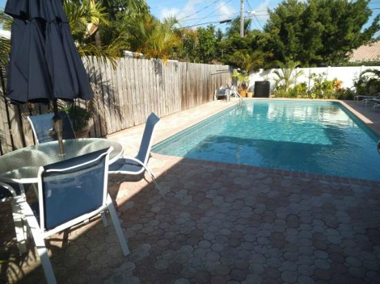 Casitas Coral Ridge: pool area
