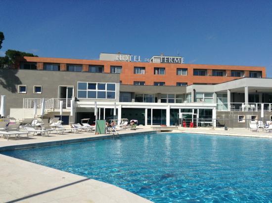 Piscina all 39 aperto 21 picture of hotel delle terme di - Terme di venturina prezzi piscina ...
