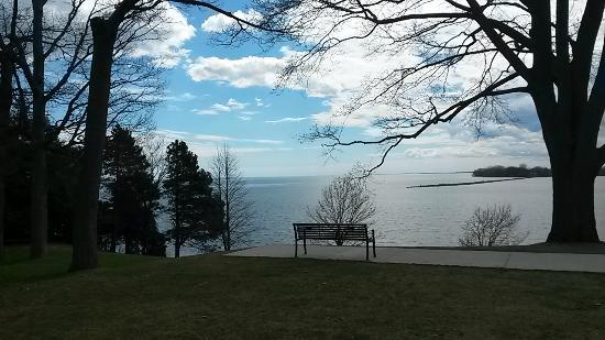 Lake Ontario Park : Le lac Ontario