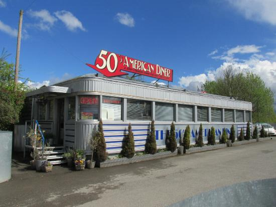 Exterior photo de 50 39 s american diner church gresley for 50 s diner exterior
