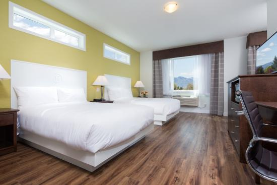Kelowna Inn & Suites: Premium 2 queen guest room
