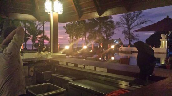 Rim Nam Pool Bar