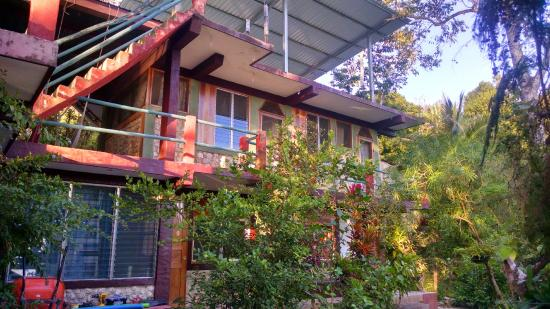 Zapote Tree Inn
