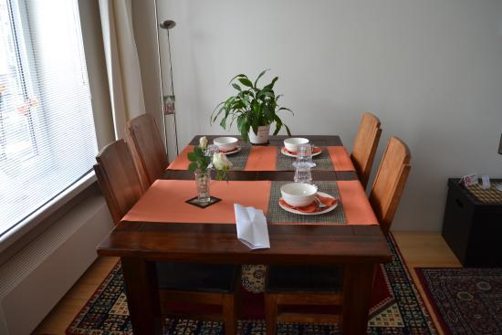 Antonius Bed and Breakfast: Breakfast Area