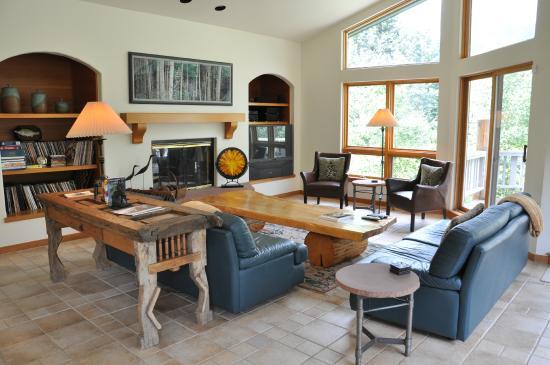 Gore Creek Properties: 3827 Lupine