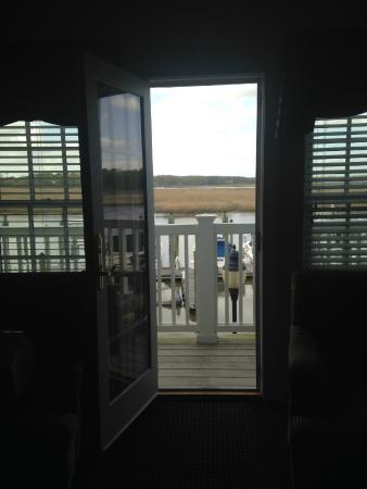 Smithfield Station Hotel: Balcony overlooking the marina